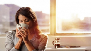 woman-drink-tea